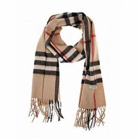 d0a026fa081c foulard femme burberry pas cher Pas Cher Collections soldes foulard ...